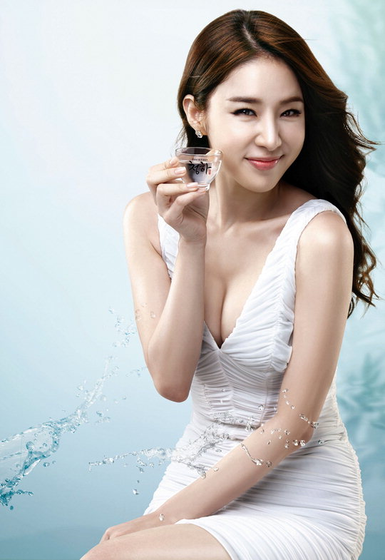 yoo in na. [News]Yoo In Na endorses soju